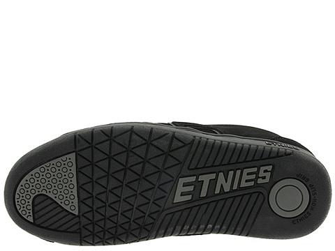 运动鞋 etnies