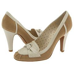 C10142 Lod1 1D from Moschino   Manolo Likes!  Click!