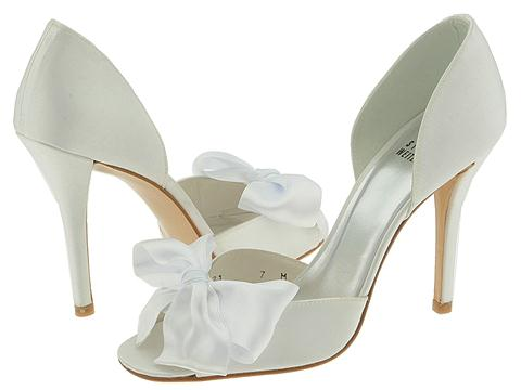 The Stuart Weitzman Bowribbons photo 269487-1