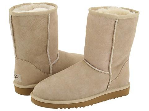 Угги любят не только женщины.  Зимняя обувь необходима...