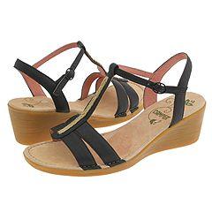 Camper Catalina-20324 (Black) - Women's :  sandal t-strap zappos camper