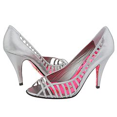 Washington from Betsey Johnson   Manolo Likes!  Click!