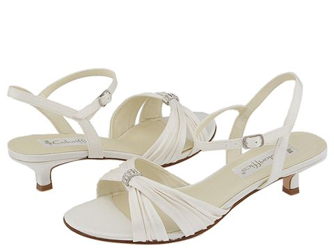 Help Where Can I Find Bridal Shoes With Low Heels