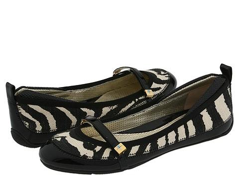Via Spiga - Betray (Black/Ivory Zebra Linen) - Footwear
