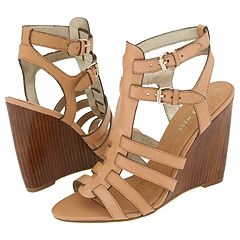 Nine West Heech (Taupe Leather) - Women's :  wedge heels sandals shoes