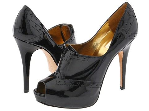 Shoe Blog - Comfortable shoes meet fashion and trendy shoes for a perfect fit.