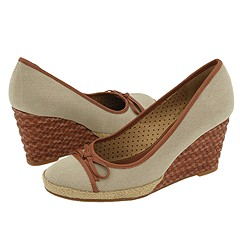 Easy Spirit - Angelika (Medium Brown/Medium Brown) - Footwear