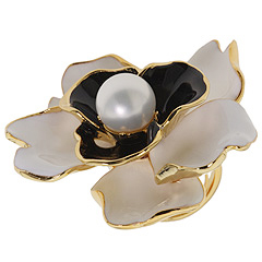 Kenneth Jay Lane Pearl Center Flower Ring