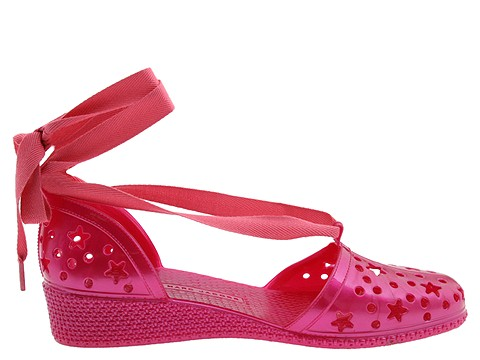 Vegan stars cut out rubber pumps