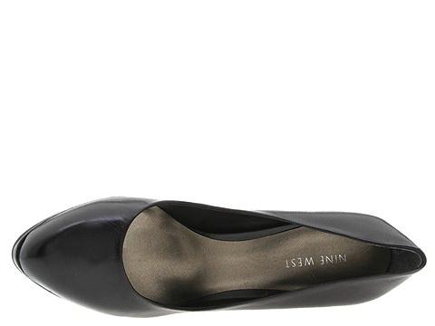 حلوةأحذية بالكعب العالي باللون الأزرقأحذية فلات من ماركة ناين ويستصنادل