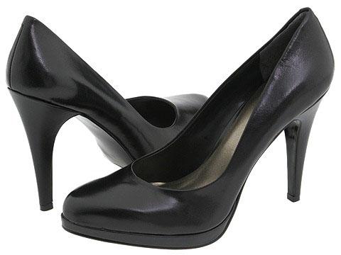 منوعة لأحذية الكعب العالي بس غريبةلمجبات أحذية الكعب العالي تشكيلة