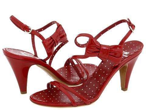Ayakkabılar Alev Alev