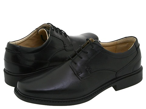 Black dress shoes with jeans