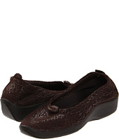 Source url: http://www.zappos.com/orthotic-shoes-arcopedico-women