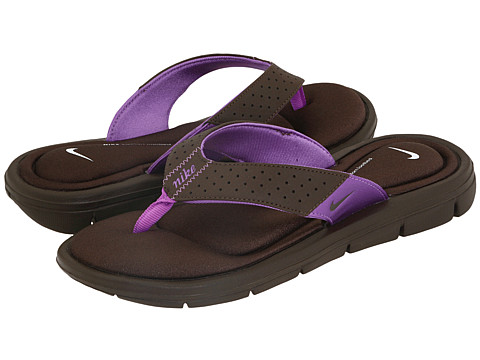 Nike - Comfort Thong (Baroque Brown/Baroque Brown-Violet Pop) - Footwear