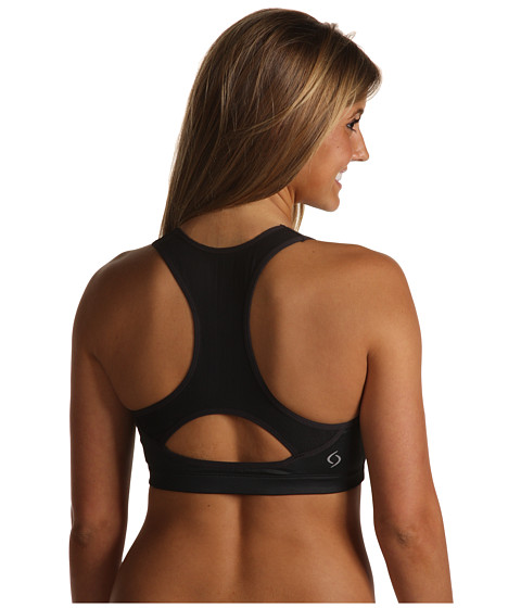 Sports Bra Review: Moving Comfort Vixen