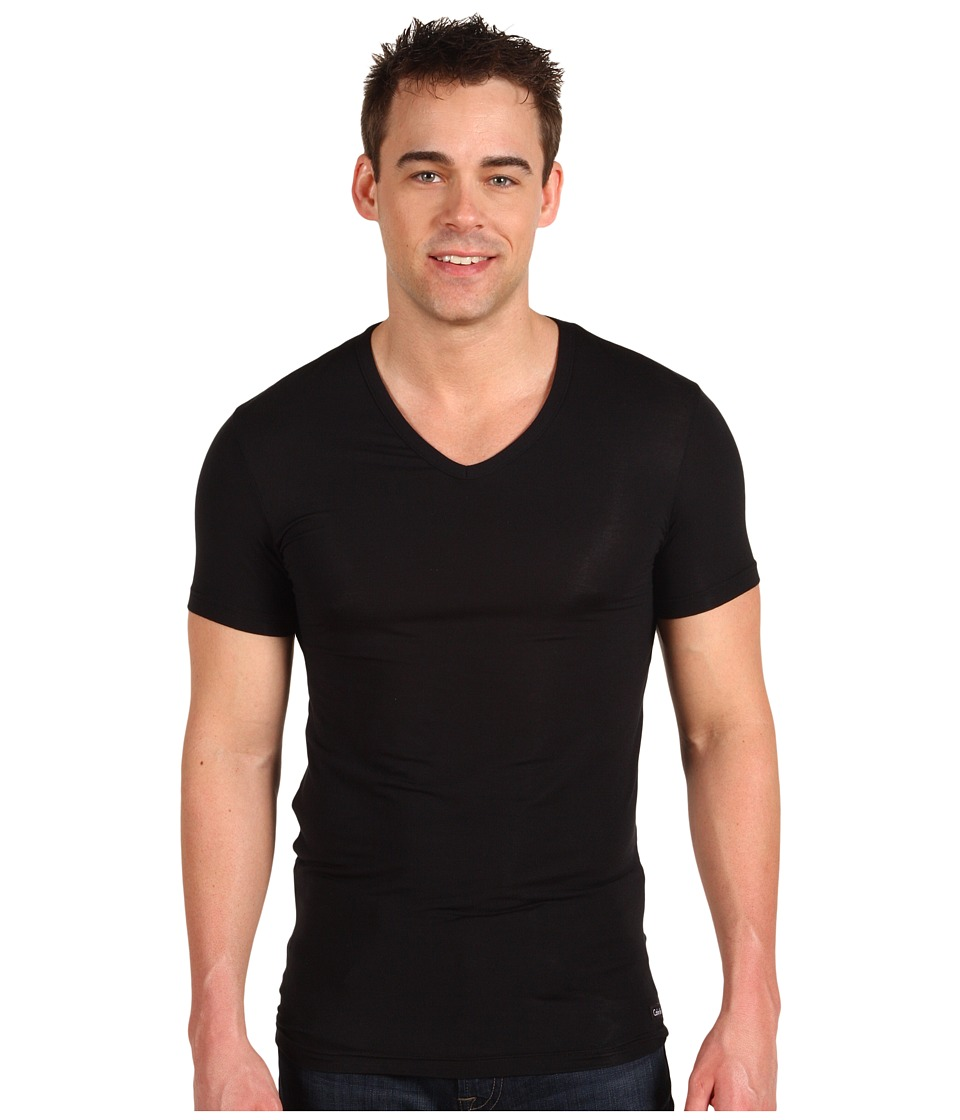 Calvin Klein Underwear - Body Micro Modal S/S V-Neck U5563 (Black) Men