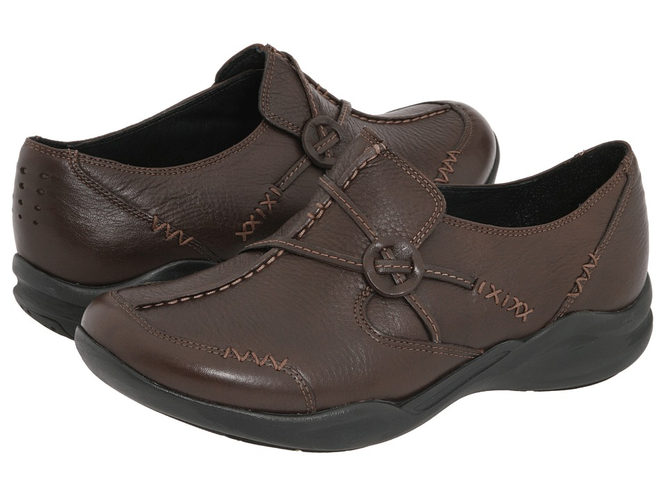 Clarks Wave.Run (Dark Brown Leather) Women's  Shoes
