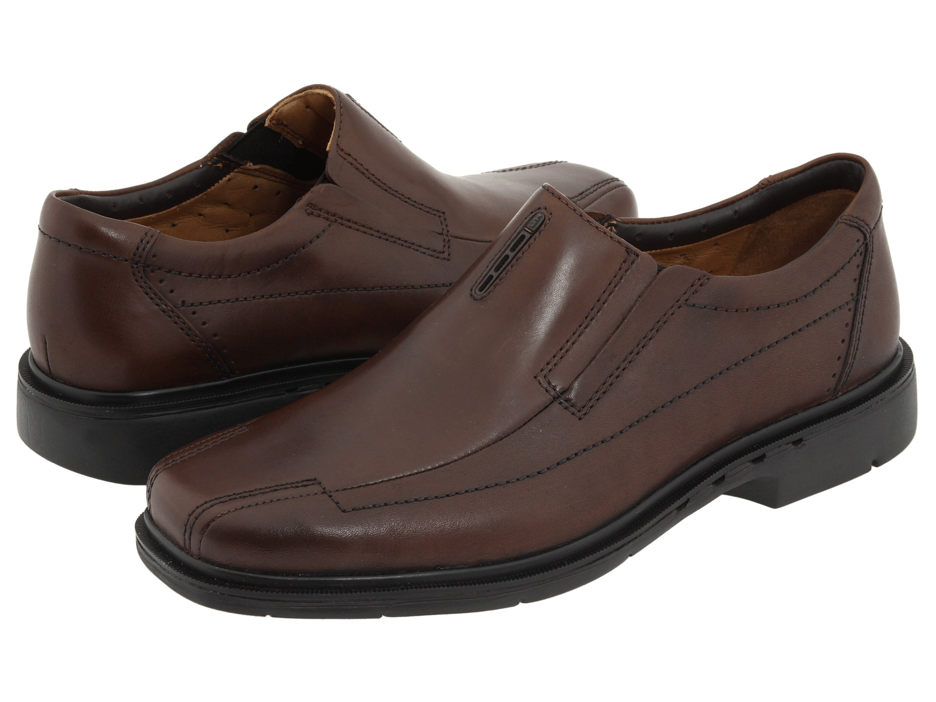 clarks competitive strategy Clarks shoes business strategy goals indicate what a business unit wants to achieve strategy describes the game plan for achieving those goals every business strategy consists of a marketing strategy plus a compatible technology strategy and sourcing strategy.
