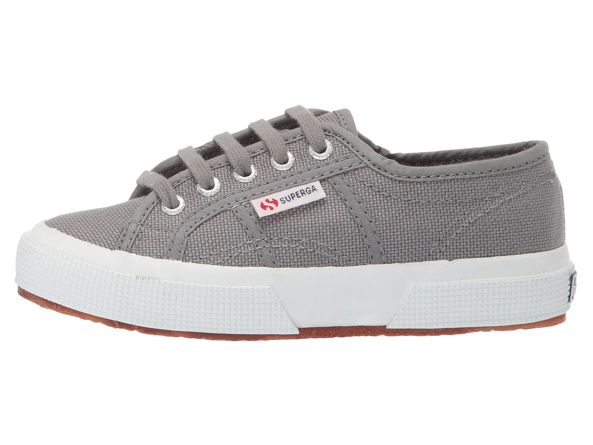 How to Use Superga Coupons Superga is a producer of quality shoes for both men and women. The company often has specials and discounts for its customers. Check out coupons for Superga that can save you up to 67% on sneakers that are on sale. Other coupons and promo codes can get you 10% off your orders or free shipping and handling.