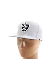 Mitchell & Ness - NFL® Throwbacks Basic Logo Snapback - Oakland Raiders