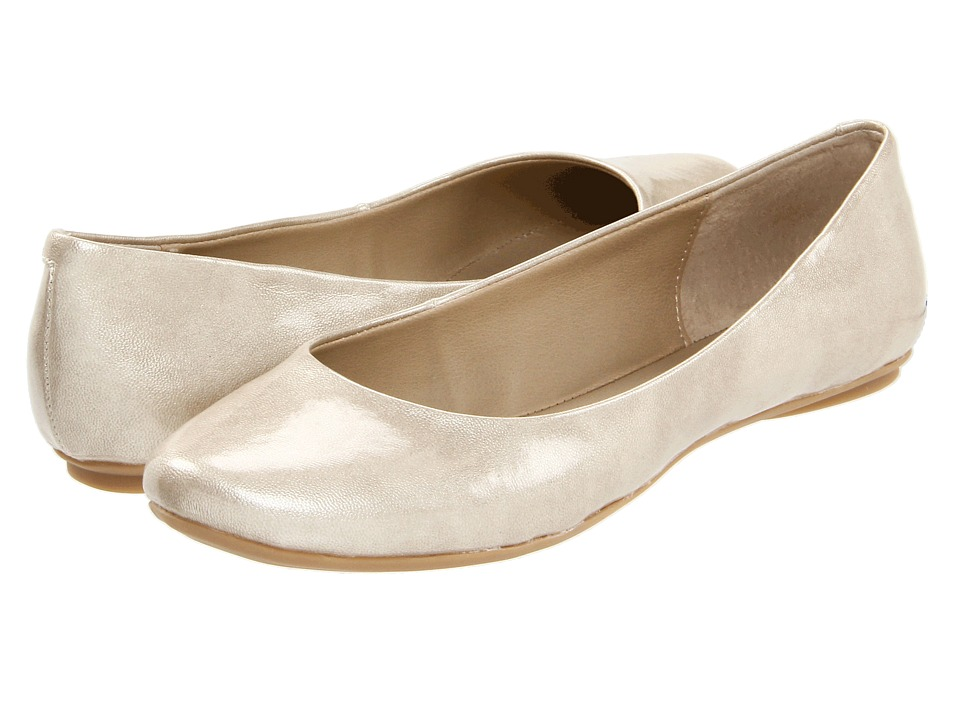 Kenneth Cole Reaction Slip On By (Light Gold Patent) Flats