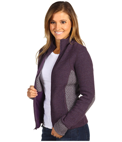 At Ease, Smart & Chic – Finally Found: A Stylish Fleece — Commandress