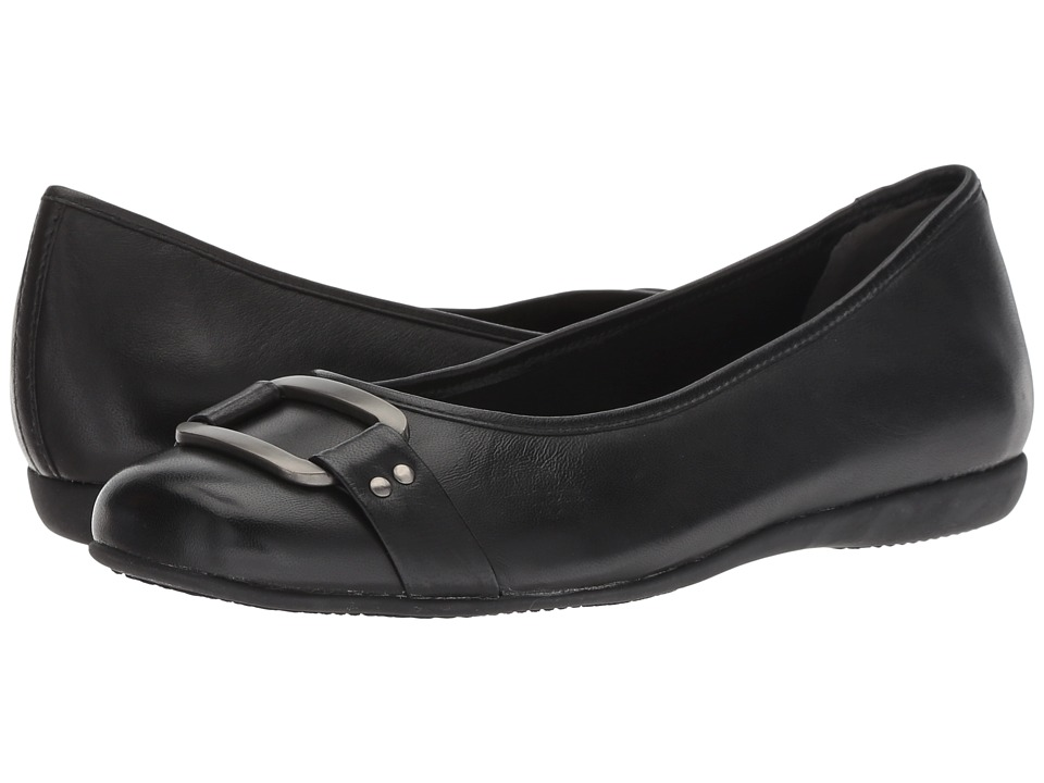 Trotters Sizzle Signature (Black Burnished Soft Kid) Flats