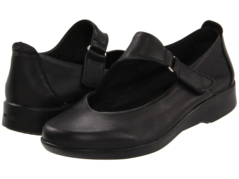 Arcopedico Ellery Black Womens Slip on Shoes