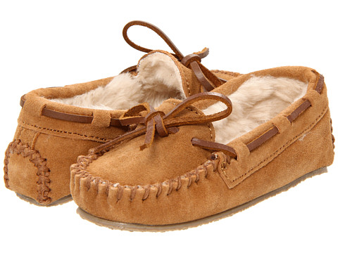 Minnetonka Kids Cassie Slipper (Toddler/Little Kid/Big Kid) - Cinnamon Suede