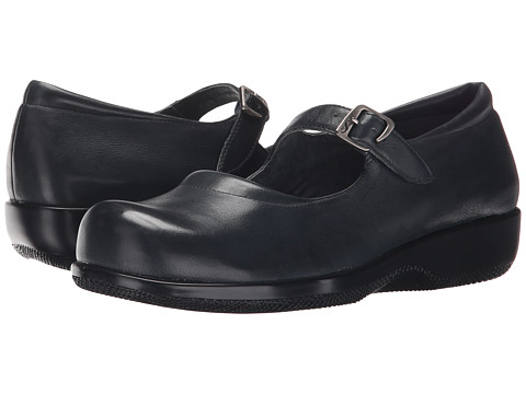 not a trend but orthopedic shoes that are super clunky!! especially when people don't need them for foot support or whatever. my history teacher always