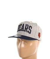 Mitchell & Ness - NFL® Throwbacks Basic Arch Road Grey 2-Tone Snapback - Chicago Bears