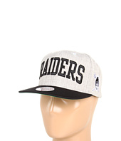 Mitchell & Ness - NFL® Throwbacks Basic Arch Road Grey 2-Tone Snapback - Oakland Raiders