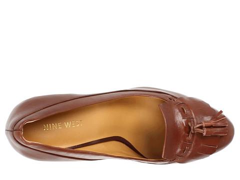 ولا أروعتشكيلة أحذية من ماركة ناين ويست بالكعب العاليأحذية فلات