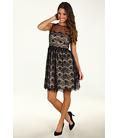 Maggy London - Sleeveless Scallop Lace Dress with Belt