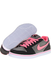 Nike Action - Ruckus Low W