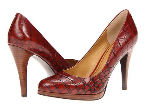 جديدة من Miu miuالوان قويةوجريئة لأحذية جورونج برابالأجمل الأحذية لـ