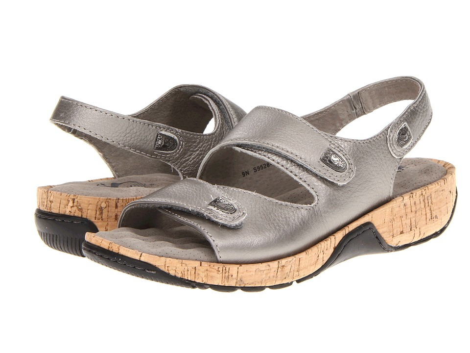 SoftWalk - Bolivia (Soft Pewter Metallic Soft Tumbled Leather w/ Cork Bottom) Women