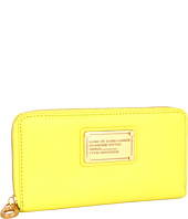 Marc by Marc Jacobs - Classic Q Vertical Zippy Wallet