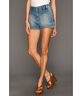 Levi's® Juniors - Performance Darted Short