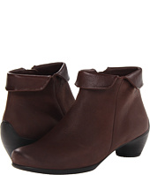 ECCO - Sculptured Folded Zip Bootie