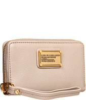 Marc by Marc Jacobs - Classic Q Wingman