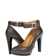 Nine West - Cavewoman