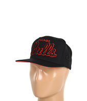 Mitchell & Ness - Chicago Bulls Blacked-Out Script Snapback