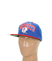 Mitchell & Ness - NFL® Throwbacks Arch w/Helmet 2-Tone Snapback - New England Patriots
