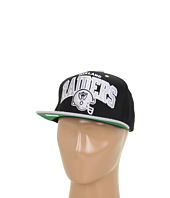 Mitchell & Ness - NFL® Throwbacks Arch w/Helmet 2-Tone Snapback - Oakland Raiders