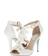 Betsey Johnson - Knot
