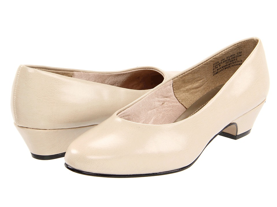 Soft Style - Angel II (Bone) Womens 1-2 inch heel Shoes