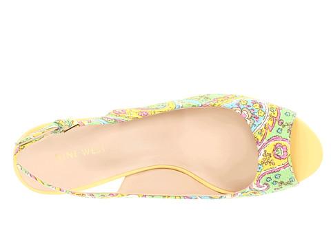 ويستأحذية بالكعب من ماركة ناين ويستمحافظ من ناين ويست تشكيلة