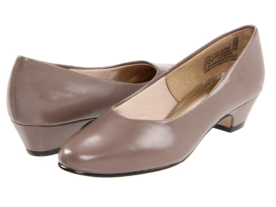 Soft Style Angel II (Putty) 1-2 inch heel Shoes